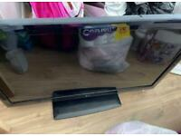 LG 42 inch black tv with built in freeview, remote included