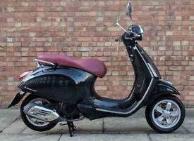 Vespa Primavera 125cc (64 REG) in black, Excellent condition with only 1100 m...