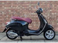 Vespa Primavera 125cc (64 REG) in black, Excellent condition with only 1100 miles!