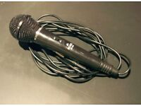 MICROPHONE WITH EXCELLENT SOUND STILL NEW.
