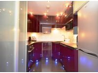 **MODERN 2 BED 2 BATH APARTMENT NEXT TO ALDGATE STATION, PERFECT LOCATION!!**