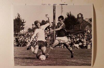 Glossy Press Photo Marlboro MA Soccer Player Kevin Burns ](Soccer Player Photo)