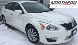 2015 Nissan Altima Sedan 2.5 CVT, ONE OWNER, PHONE CONNECTION LO