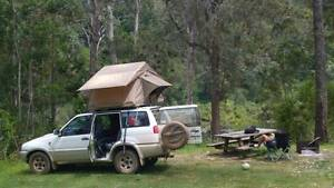 4 WD Nissan Terrano II Wagon and roof top tent for backpacker Melbourne CBD Melbourne City Preview