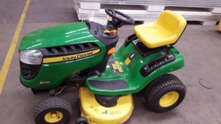 John Deere D110 Ride-On Mower