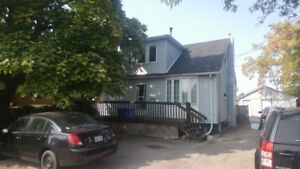 2 bedroom house, December 1st, Utilities included in Hamilton