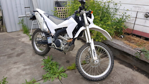 Yamaha wr250rx limited edition Carlton Melbourne City Preview