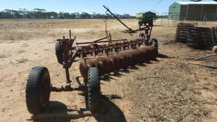 16 disc plough
