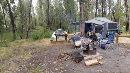 Tru Blu camper trailer, awesome kitchen PRICE DROP MUST SELL!