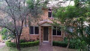 KIRRAWEE 3 BEDROOM TOWNHOUSE SHARE WITH 1 MALE AND SMALL DOG.. Kirrawee Sutherland Area Preview