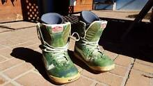 Vans Snowboard / Snow Boots Byron Bay Byron Area Preview