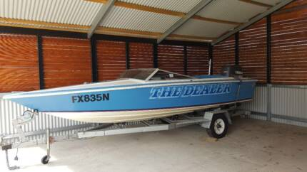 19ft Connelly Ski Boat