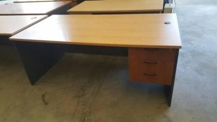 STRAIGHT DESK W/ DRAWERS - office work storage study school uni