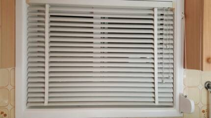 venetian blinds 50mm, white, aluminium in a good condition
