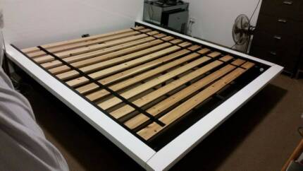 KING SIZE BED!!! with slats
