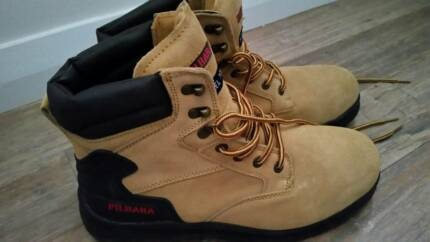 NEW PILBRA Work boots
