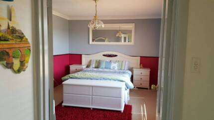 Girls Accomodation Only Double Bedroom available Thornlie Gosnells Area Preview