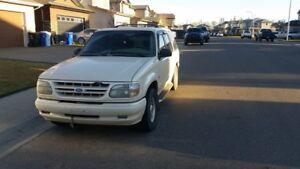 1997 Ford Explorer limited 5l v8 ( old 302 ) $2000