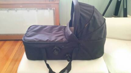 Mountain Buggy Bassinet Carrycot