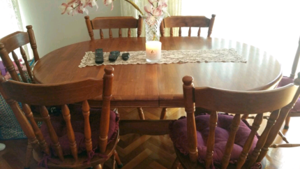 WOODEN DINING TABLE & 6 DINING CHAIRS