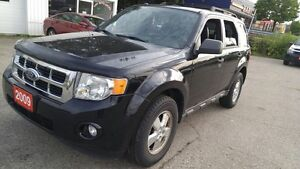 2009 Ford Escape XLT 4WD | Leather | Sunroof | Low KM