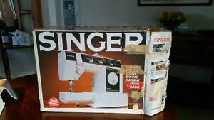Singer Sewing Machine Ningi Caboolture Area Preview