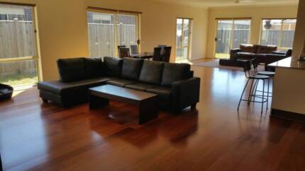 ****Fully furnished CHEAP & NICE room $125 in Point Cook**** Point Cook Wyndham Area Preview