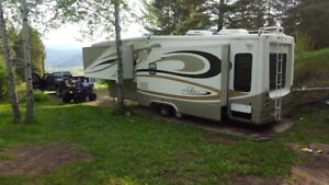 Elite Suites 5th Wheel , MUST SELL MAKE OFFER