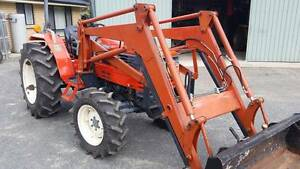 Front End Loader and surplus farm equipment Birdwood Adelaide Hills Preview