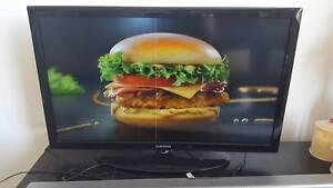 """Samsung 32"""" LED LCD TV Ultimo Inner Sydney Preview"""