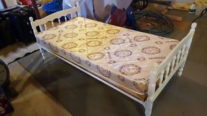 Twin/single bed frame and mattress