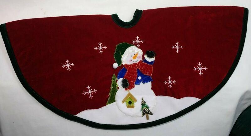 """Christmas Tree Skirt Snowman 22"""" Snowflakes Birdhouse Red Velvet Felt Back Gold"""