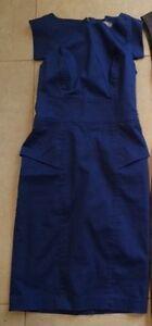 women's clothing size 4, small/ vêtement de femme 4 et small