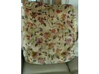8 Large cushion covers . 58cm x 68cm. Very good condition.