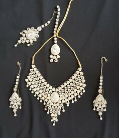 Bridal artificial jewellery set