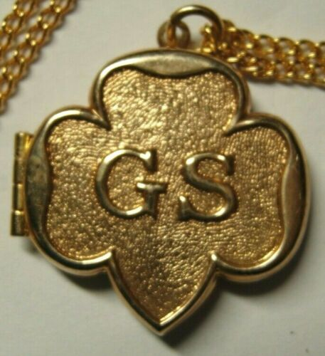 1950s 1960s Girl Scouts Of America Locket - GS Logo