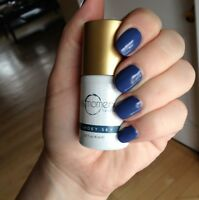 GelMoment Nails