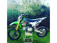 Brand new MotoX1 YX-160 YX 160cc pitbike dirtbike scrambler 2018