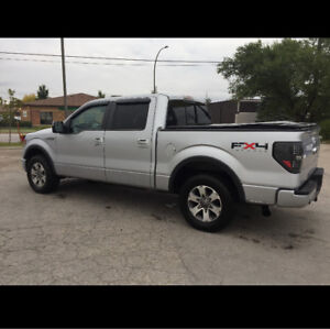 2012 ford F150 FX4 loaded