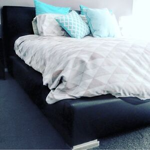 Black king size bed Newcastle Newcastle Area Preview