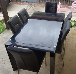 Dining table Yagoona Bankstown Area Preview