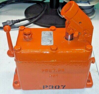 Enerpac P307-2 Hand Hydraulic Pump