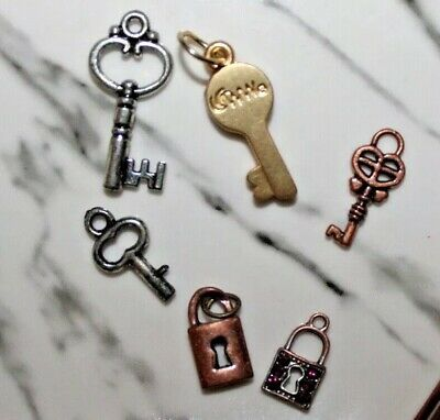 EUC True Vintage Lot 4 Skeleton Keys 2 Locks Charms DIY Jewelry Making Art Craft - Diy Skeleton Costume