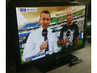 """SAMSUNG 42"""" LCD 1080p Full HD TV. Built in Freeview Excellent Condition Fully Working with Remote"""
