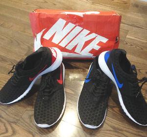 For Sale Two Pairs Men's Nike Rosherrun Sneakers