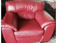 Very Good Condition High Quality Leather 3 Piece Suite