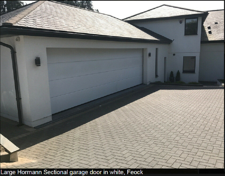 Hormann Garage Doors Insulated 4 Panel Extra Wide 4.6m X2.1m Light Ivory  New But Incomplete ONO