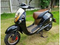 2015 50cc moped no need for mot until 2018. See notes can deliver