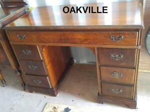 "Oakville ANTIQUE DESK 42wx22x30""h Beautiful Mahogany Office Heavy Classic Vintage Retro Table Business Tongue and Groove"