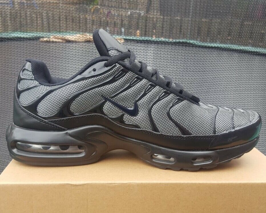 wholesale dealer eac01 6881a BRAND NEW NIKE AIR TNS PLUS BLACK AND GREY ANY SIZE NIKE TRAINERS VMS TIME  GOOD 19V | in Sandwell, West Midlands | Gumtree